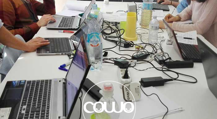 coworking-urbino-scrivanie